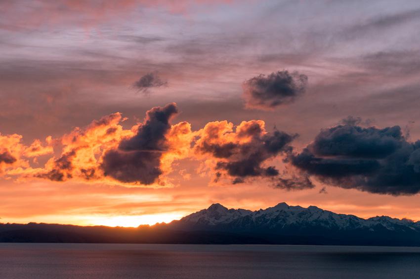 beautiful sunrise over Isla del Sol, Bolivia #Isladelsol#isladelsolbolivia#bolivia#boliviatravel#boliviaisladelsol#southamerica#southamericabackpacking#southamericabucketlist