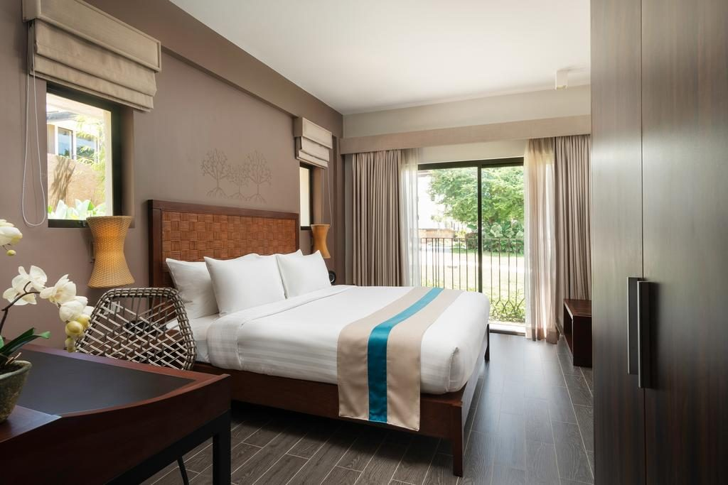 Bacau Bay Resort