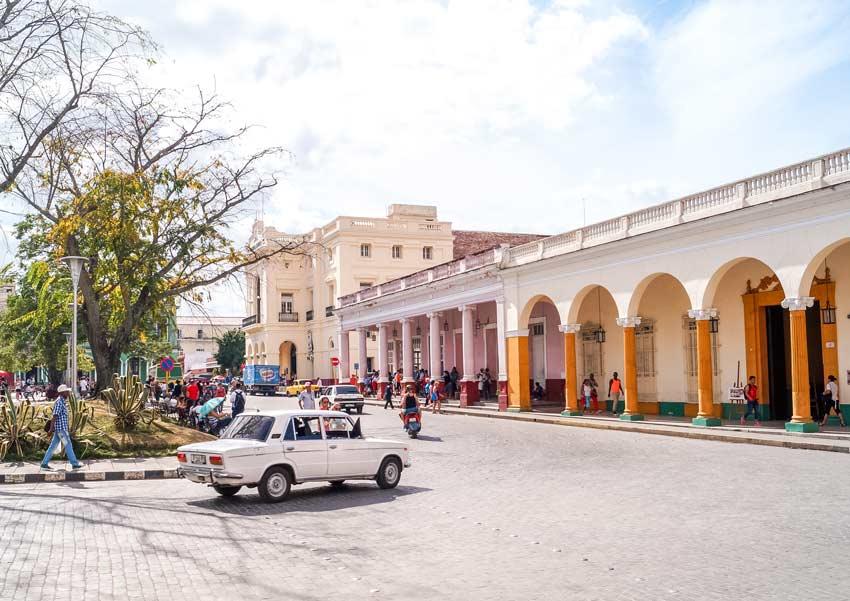 white car, colourful buildings in Santa Clara