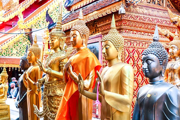 buddha statues in Wat Phra That Dui Suthep