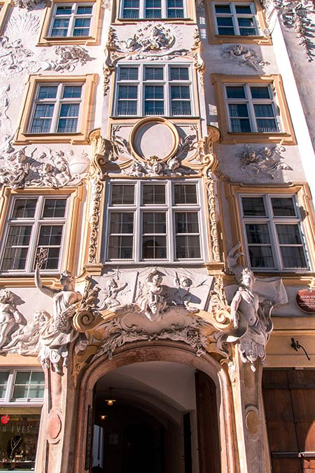 a facade of a house in Munich
